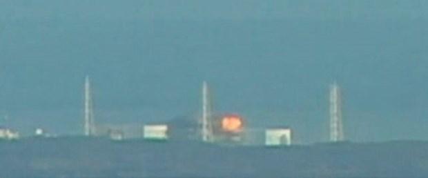 Japonya nükleer santralinde patlama ve yangın